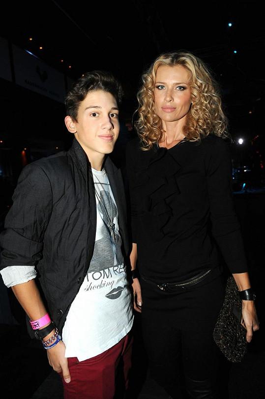 Daniela Peštová se synem Yanickem.