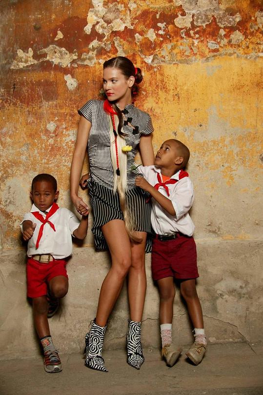 Andrea nastylizovaná jako mladinká kubánská matka