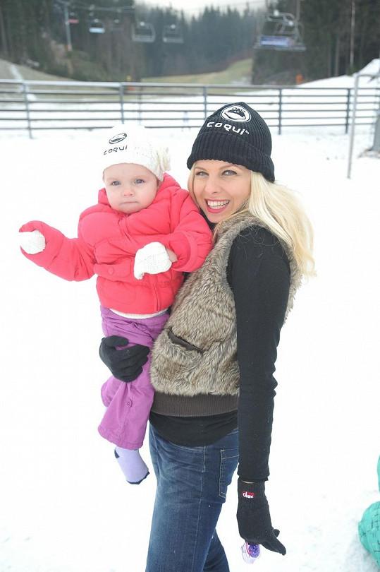 Kateřina Kristelová s dcerou Claudií, která už v roce vydělává.