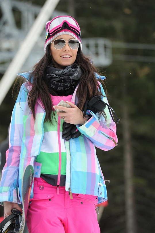 Agáta si v Jasné i zajezdila na snowboardu.
