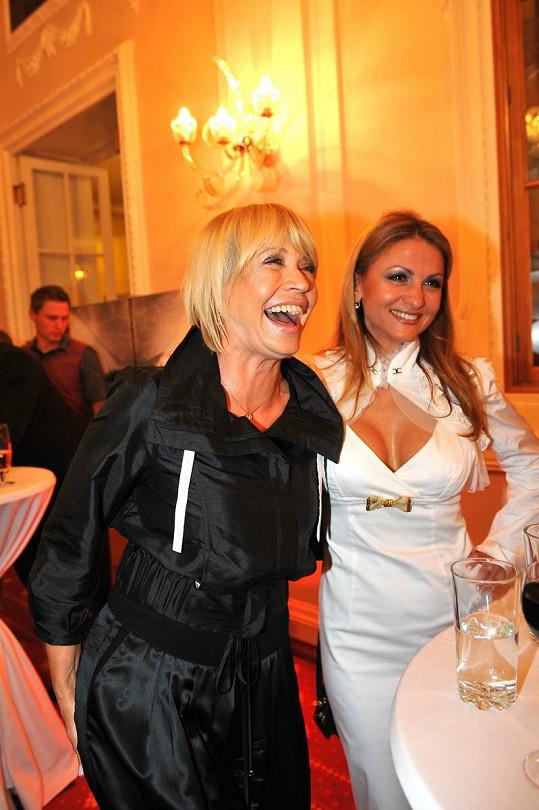 Yvetta Blanarovičová a Jana Švandová na párty zářily.