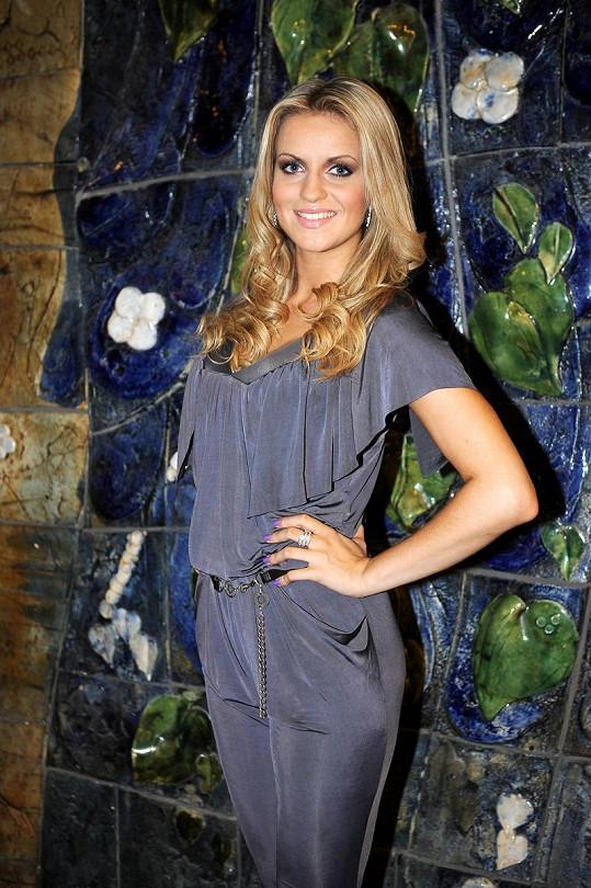 Gabriela Gunčíková patří jednoznačně mezi nejkrásnější české zpěvačky.