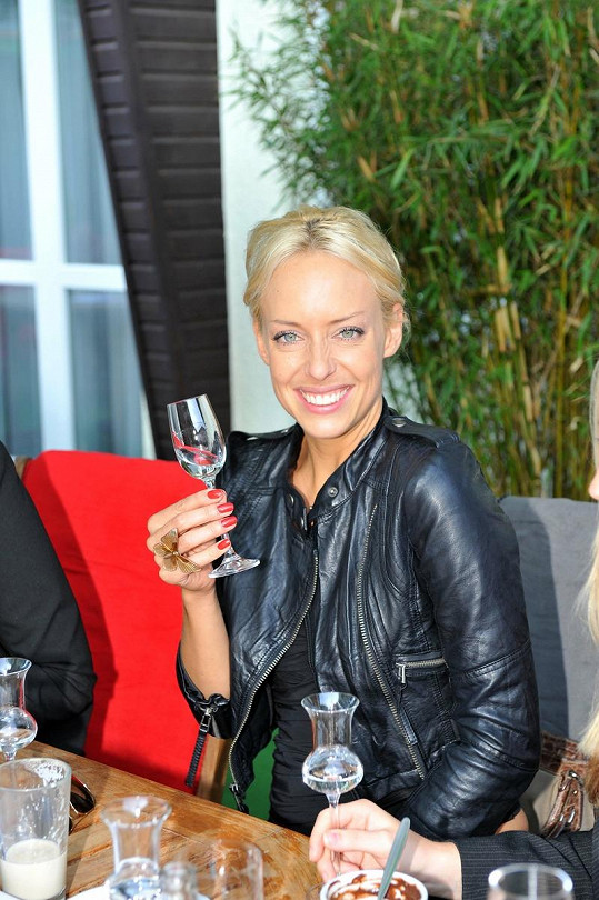 Kateřina Mátlová bere alkohol jako medicínu.