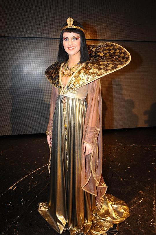 Gábina jako Kleopatra.