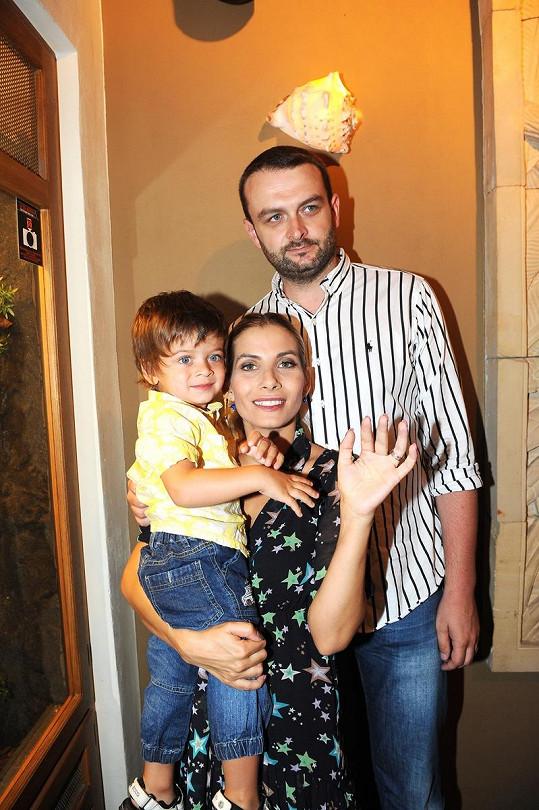 Eva Decastelo s manželem Reném a synem Michálkem.