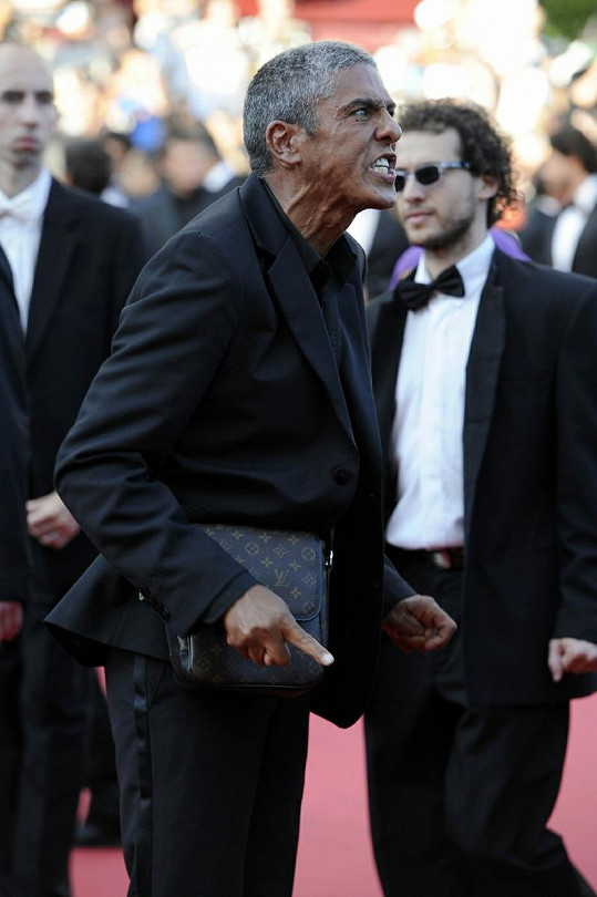 Takhle se Samy Naceri letos rozjel v Cannes.