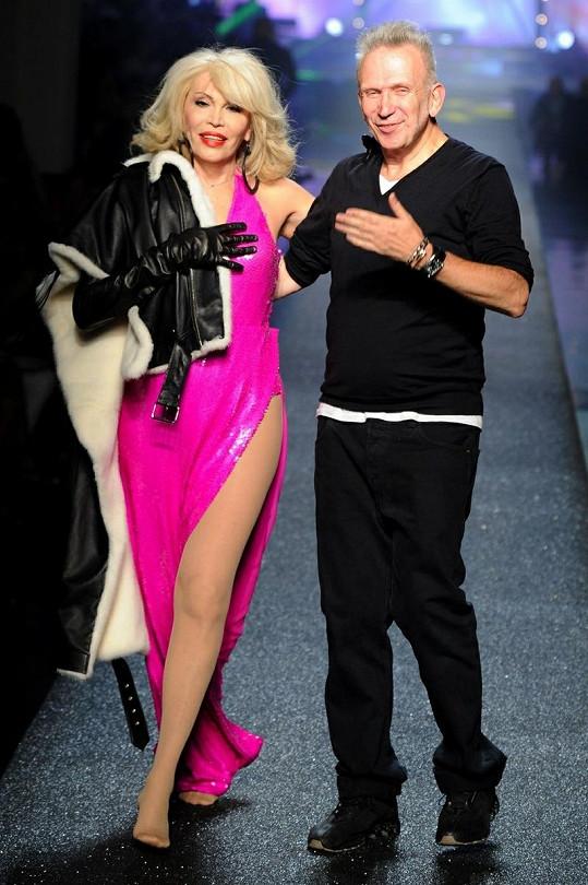 Amanda s návrhářem Jeanem Paulem Gaultierem.