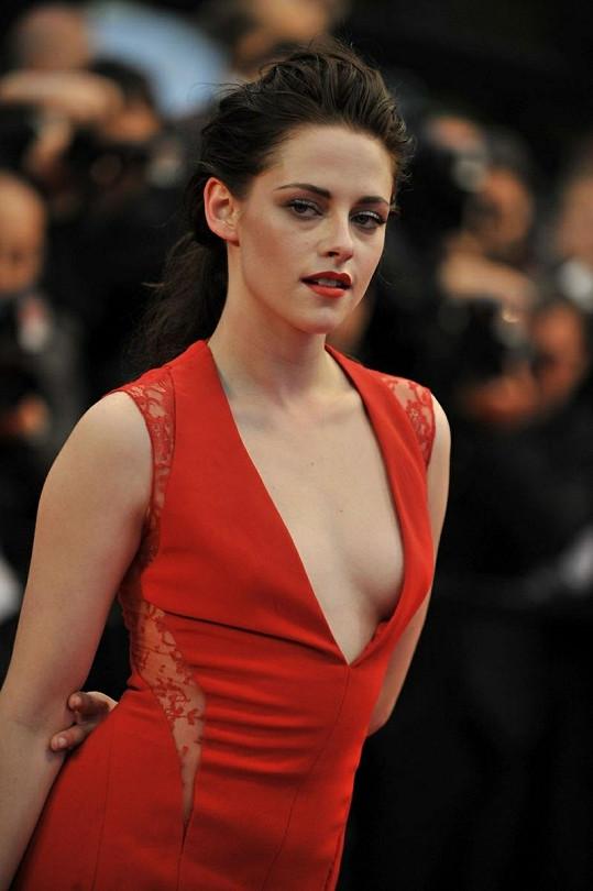 Hvězda upírské Twilight ságy na premiéře filmu Cosmopolis zářila.
