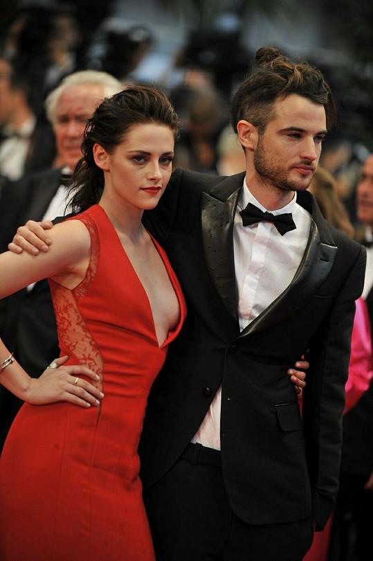 Kristen Stewart a Tom Sturridge, blízký přítel Roberta Pattinsona.