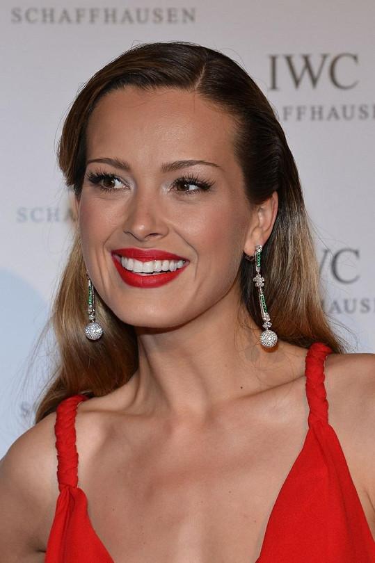 Půvabná kráska patří mezi nejúspěšnější české modelky.
