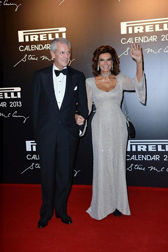 Sophia Loren doslova zářila na červeném koberci v Rio de Janeiru.