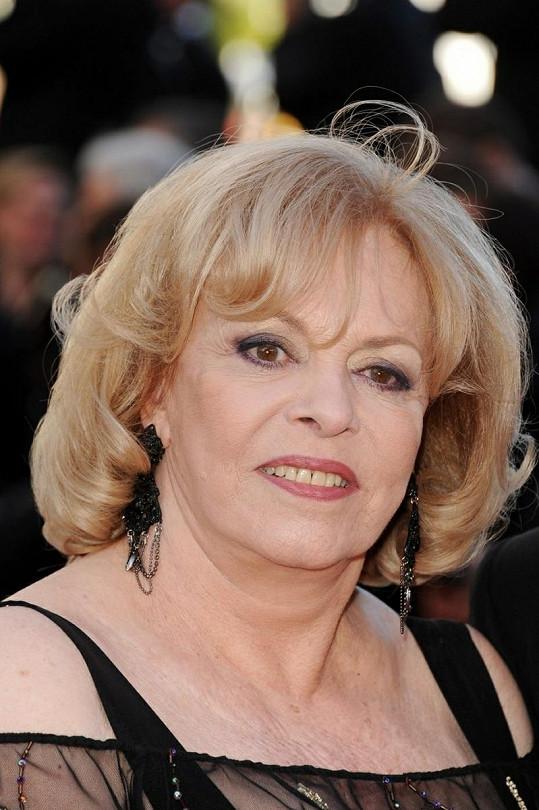 Michèle Mercier je stále půvabnou ženou.