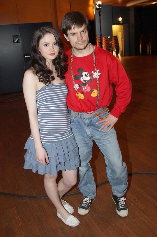 Showman Mádl na premiéře dělal, že s Josefíkovou nic nemá.