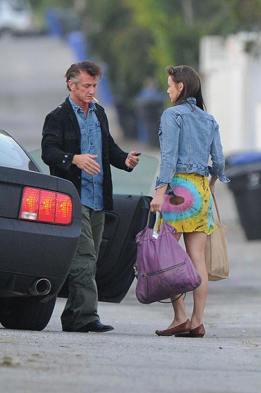 Sean Penn a jeho nová přítelkyně.
