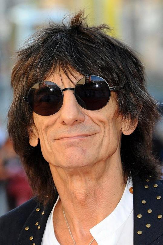 Kytarista Rolling Stones Ronnie Wood před několika lety.