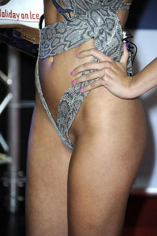 Bikiny německé modelky a hvězdy reality show byly hodně odvážné.