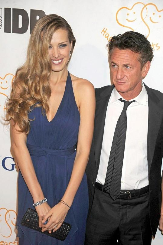 Petra Němcová se Seanem Pennem.