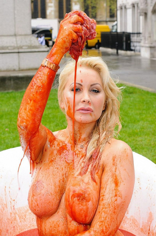 Victoria Eisermann v kampani s organizací PETA.
