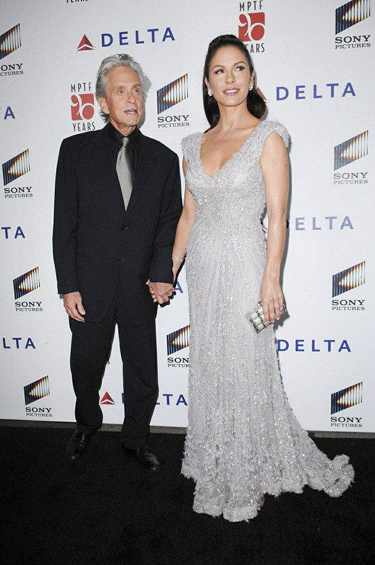 Catherine Zeta Jones s manželem Michaelem Douglasem.