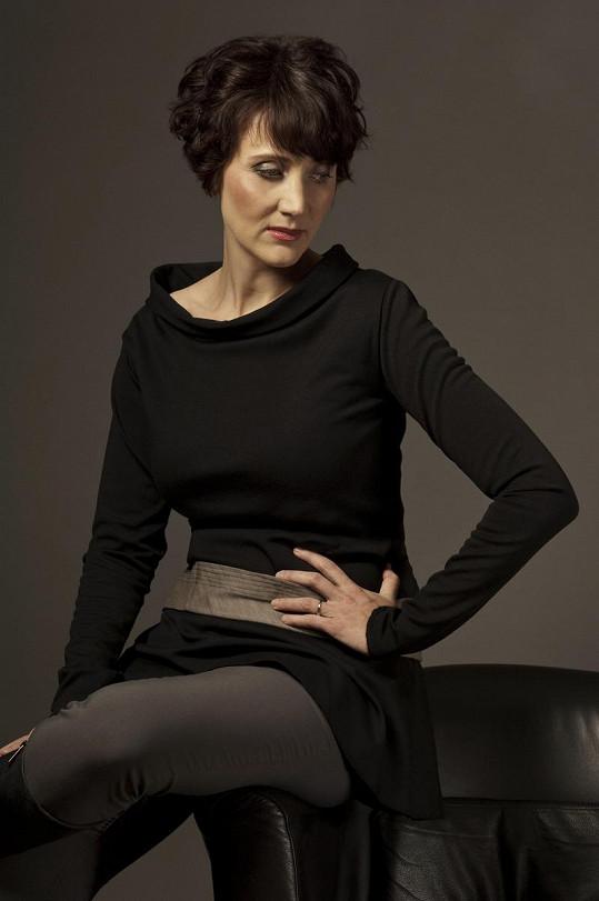 Ester Janečková ještě s tmavými vlasy.