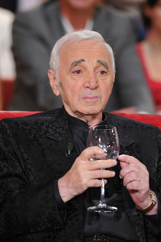 Legendární šansoniér Charles Aznavour.