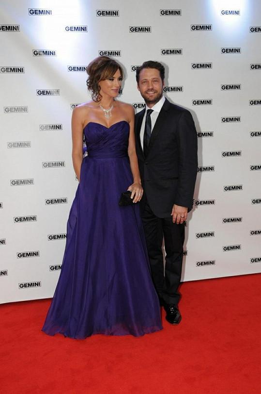 Jason Priestley s manželkou Naomi Lowde.