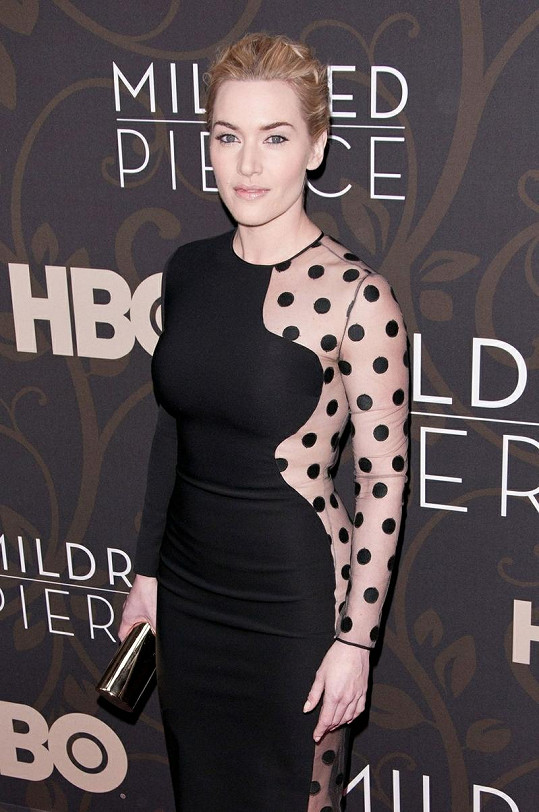 Kate Winslet se v podobných šatech objevila již v březnu.