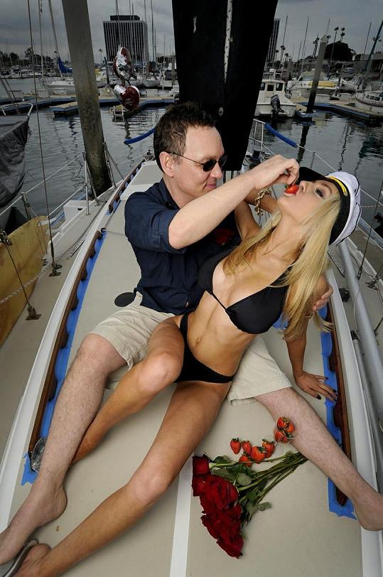Courtney a Doug slavili svátek zamilovaných na jachtě.