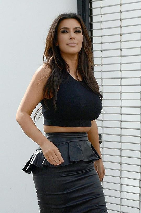 Kim Kardashian sebevědomí rozhodně nechybí.