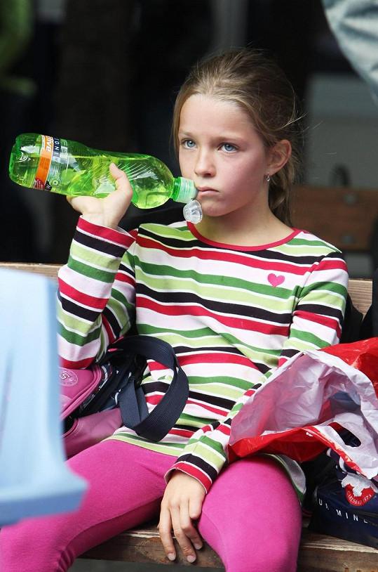 Dcera Kateřiny Neumannové Lucie vypadá jako panenka.