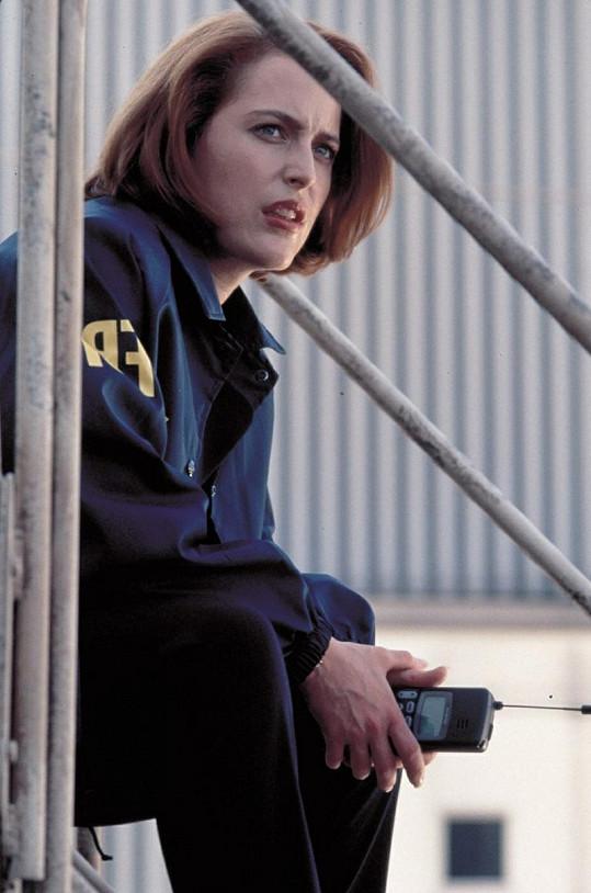 Gillian jako Dana Scullyová v seriálu Akta X.