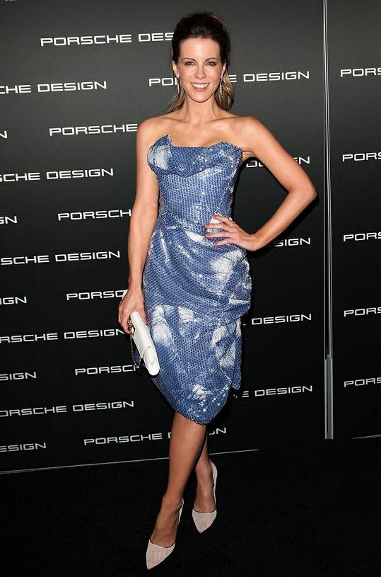 Kate Beckinsale vypadá velmi mladistvě.