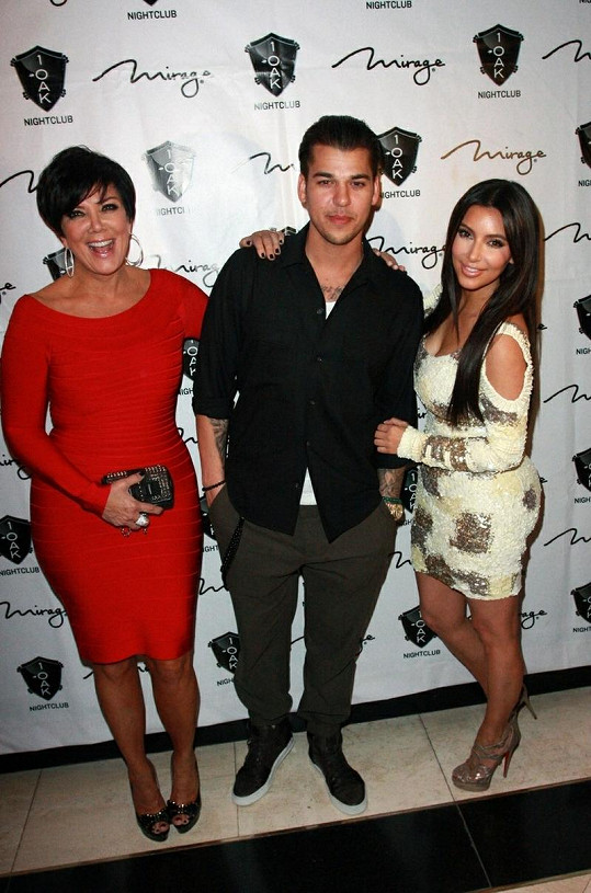 Zleva: Kris Jenner, Rob a Kim Kardashian.