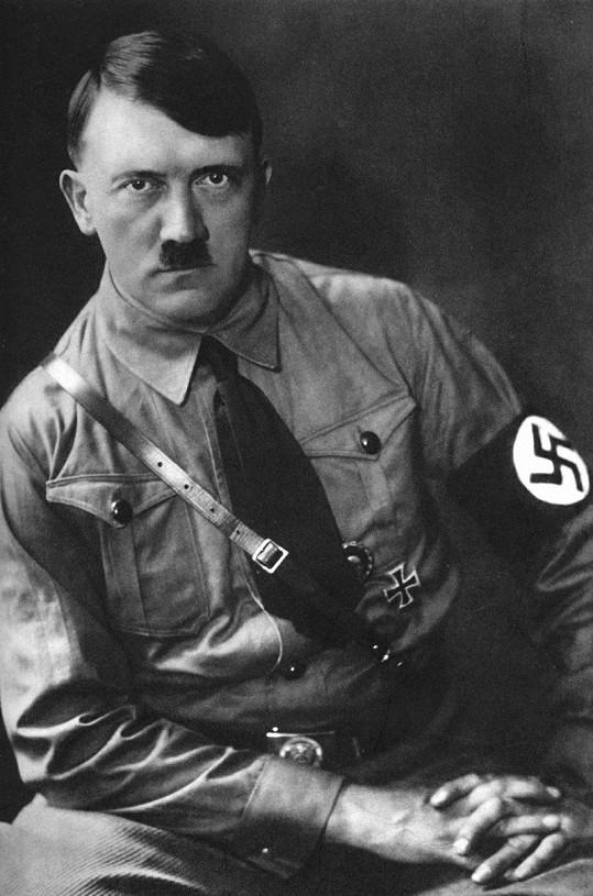 Adolf Hitler už později v šortkách nechodil.
