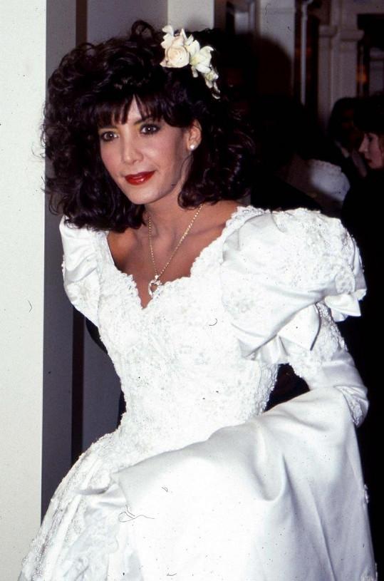 Toni-Ann se vdávala v roce 1990 ve svých šestadvaceti.