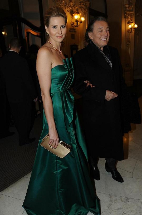 Ivana Gottová a Karel Gott, který obdivoval její zelenou róbu.