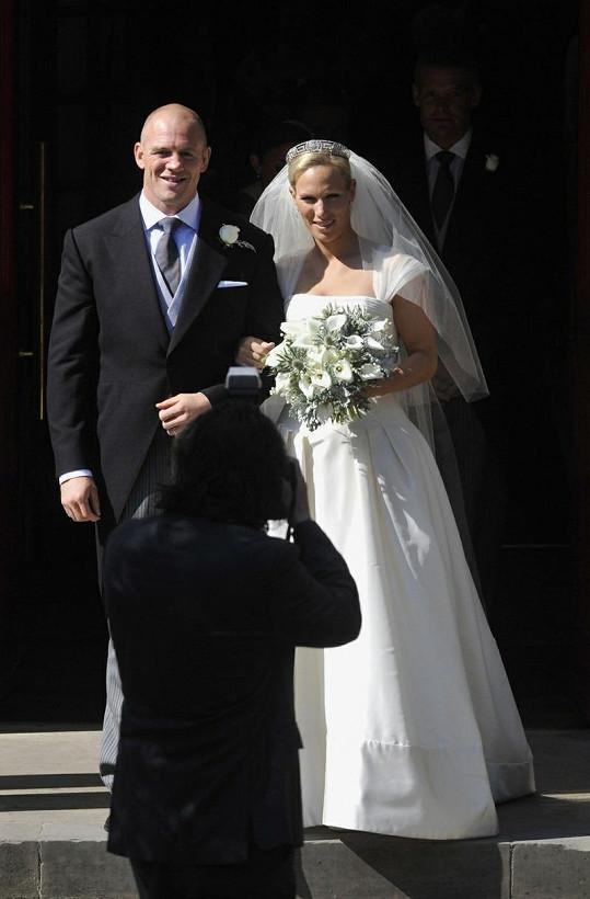 Čerstvě oddaní manželé Zara Phillips a Mike Tindall.