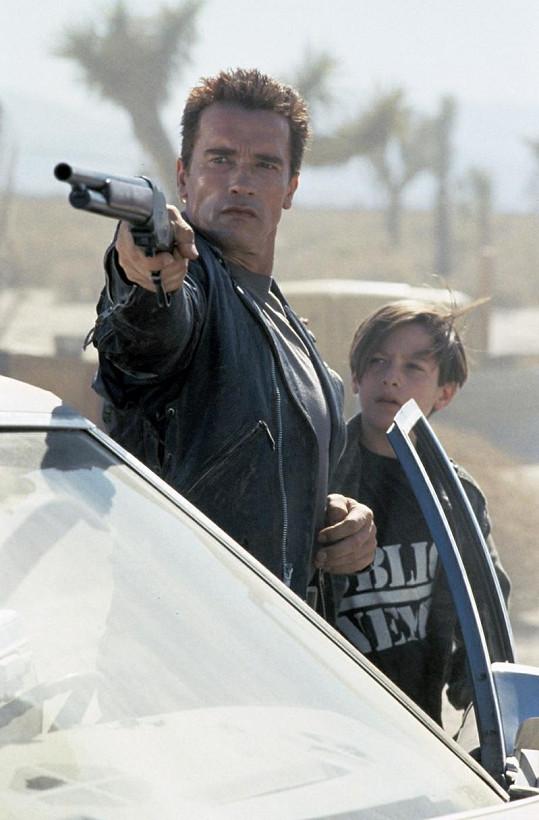 Edward a Arnold Schwarzenegger.