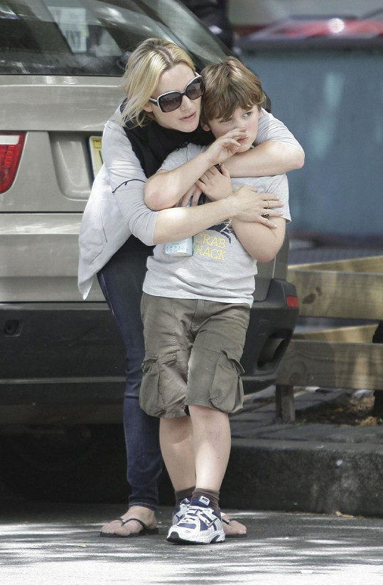 Kate Winslet a její syn Joe.