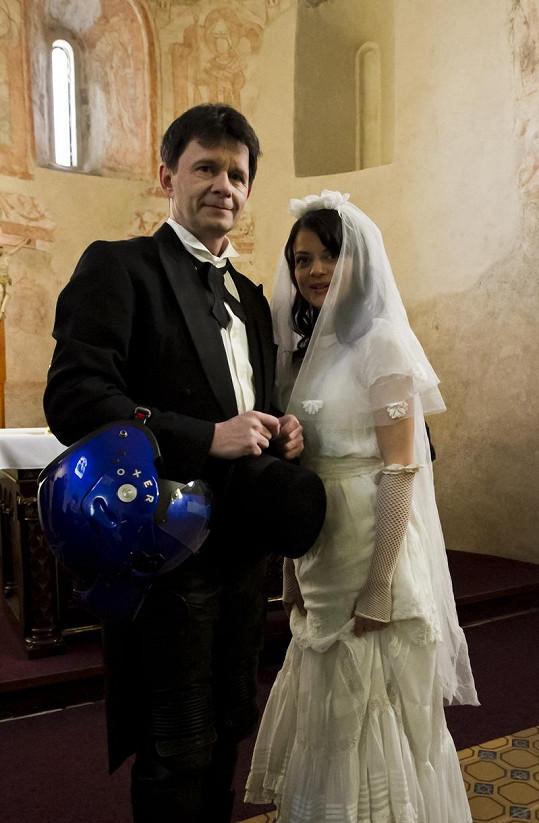 Herci si vyzkoušeli svatbu nanečisto.