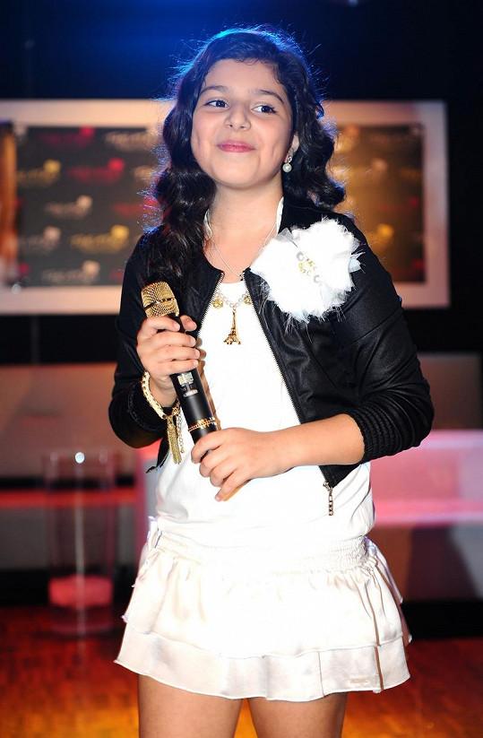 Dianka dostala dárkem i zlatý mikrofon za sto tisíc korun.