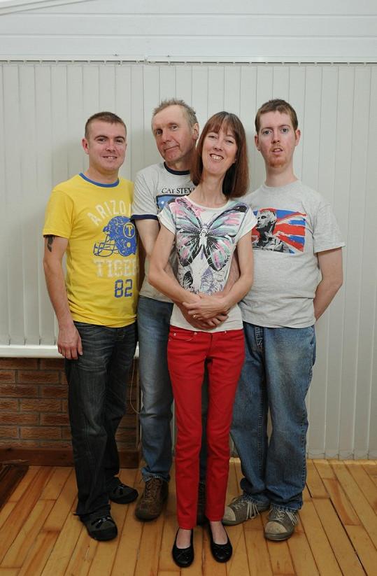 Celá rodina pohromadě. Carole spolu s manželem Stevem a syny Neilem a Markem.
