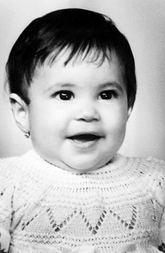 Malá Shakira.