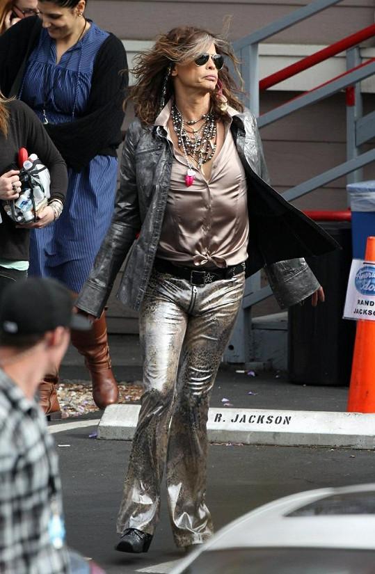 Zpěvák zasedá po boku Jennifer Lopez v americké talentové soutěži.