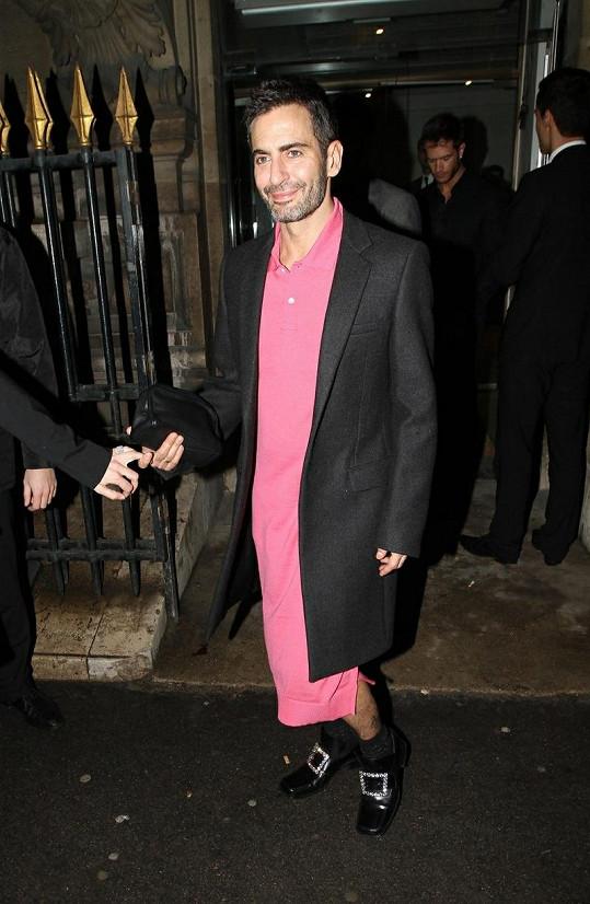 Marc Jacobs v prapodivném modelu.