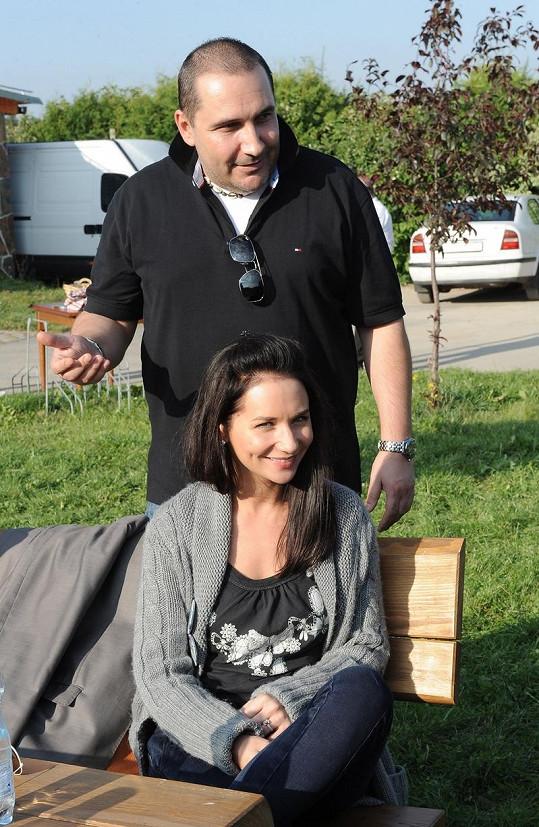 Sandra Nováková a Jan Nejedlý svatbu zatím odložili.