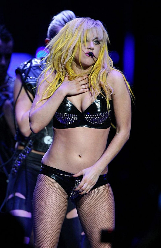 Gaga při vystoupení v roce 2010.