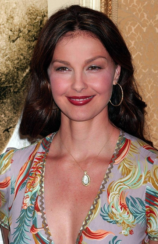 Ashley Judd hraje hlavní roli v seriálu Missing.