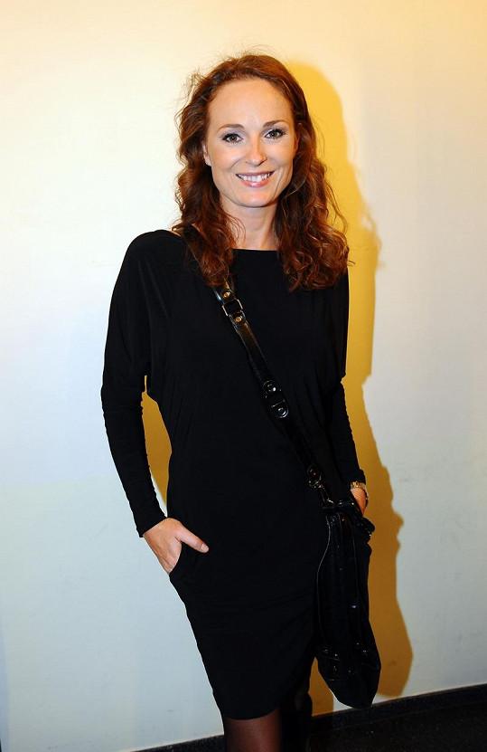 Markéta Hrubešová moderuje pořad Supermáma.