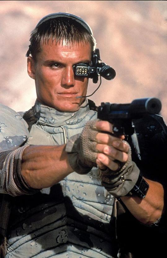 Dolph Lundgren ve filmu Univerzální voják.